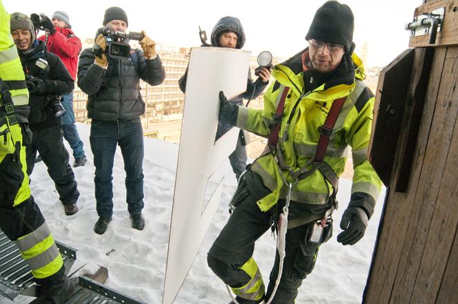 Vuodesta 1965 Hakaniemen maisemaan kuulunut Metalliliiton kyltti siirtyy historiaan