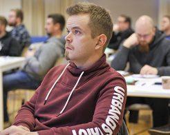 Pröva något nytt – kom med på Industrifackets svenska kurser!